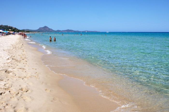 Spiaggia delle ginestre tracce di sardegna - Spiaggia piscina rei ...