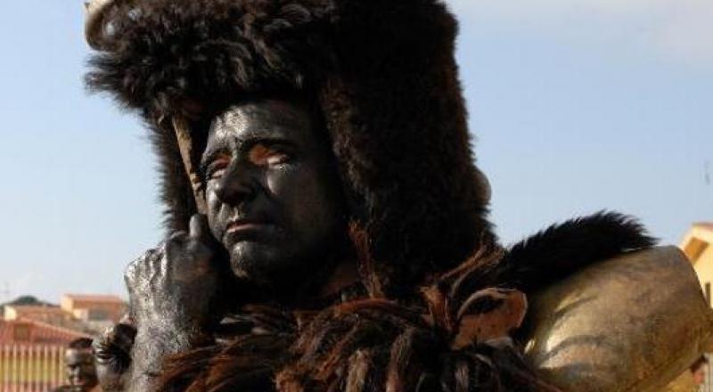 Carnevale in Barbagia, sfilata maschere tradizionali a Olzai il 10 marzo