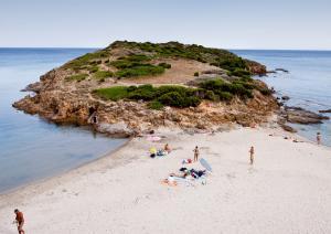 Spiaggia Su Cardolinu - Chia