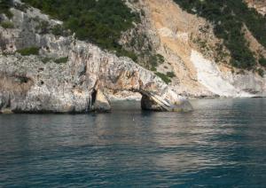 Cala Goloritzé - Arco roccioso sul mare