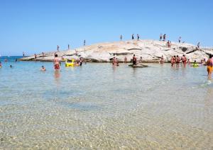 Spiaggia delle ginestre - Scoglio di Peppino