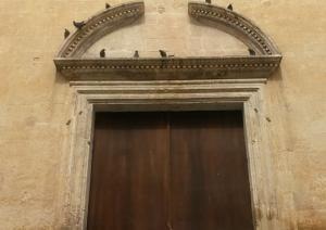 Ingresso Chiesa Santa Restistuta