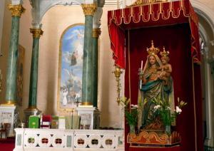 Chiesa di Bonaria - altare