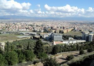 Vista su Cagliari dal colle di San Michele
